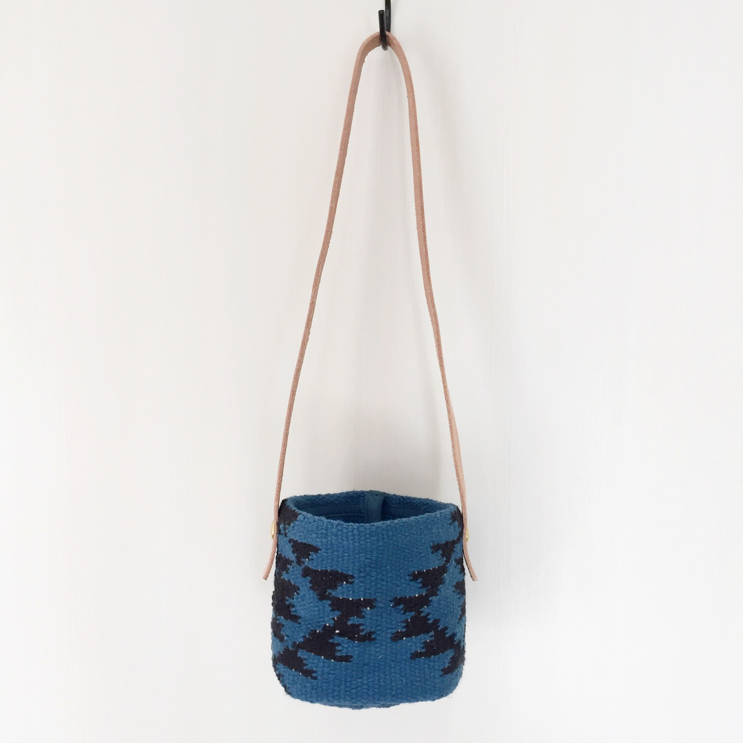 HANGING BUCKET [S] AZTEC BLUE