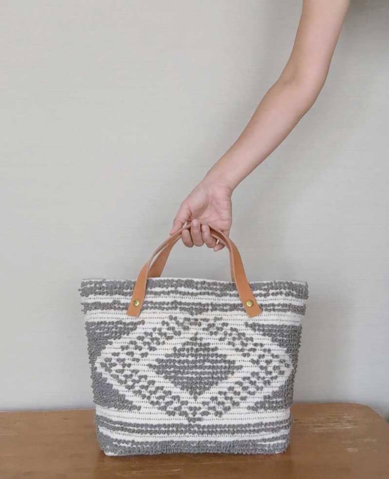 人気の手織りバッグに新しい柄が加わりました。